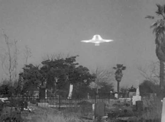 plan9 graveyard ufo
